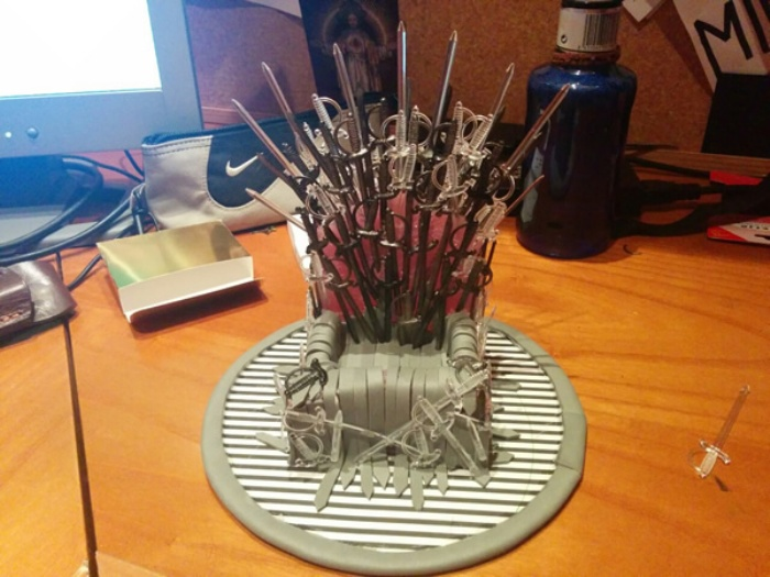 Game of Thrones Phone Stand C