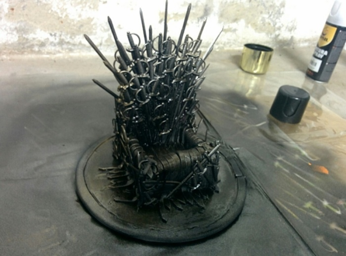 Game of Thrones Phone Stand