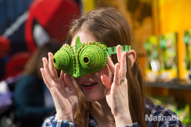 nat-geo-wild-chameleon-vision-goggles-by-uncle-milton-2