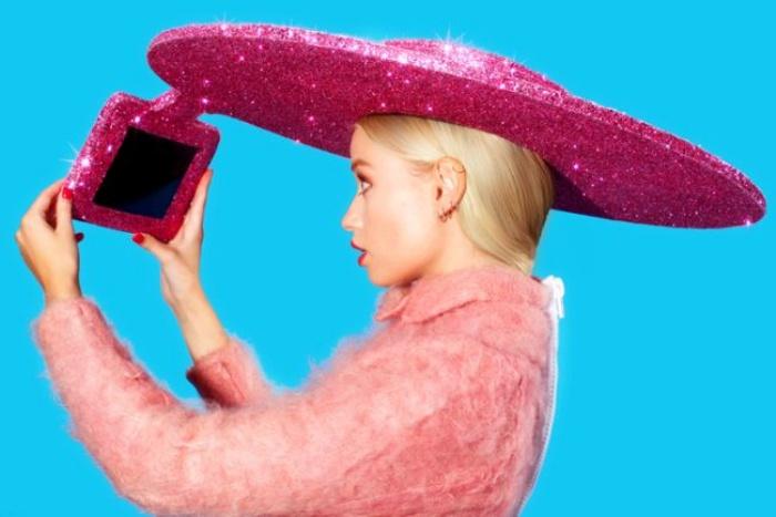 Selfie-Hat1
