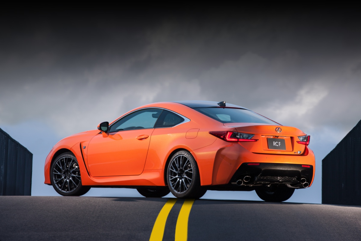 behind the wheel the all new 2015 lexus rcf ohgizmo. Black Bedroom Furniture Sets. Home Design Ideas