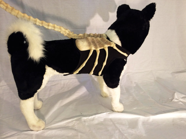 alien-facehugger-dog-leash-2
