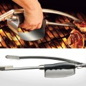 Crispy Fingers No More With This BBQ Tong With Integrated Heat Shield