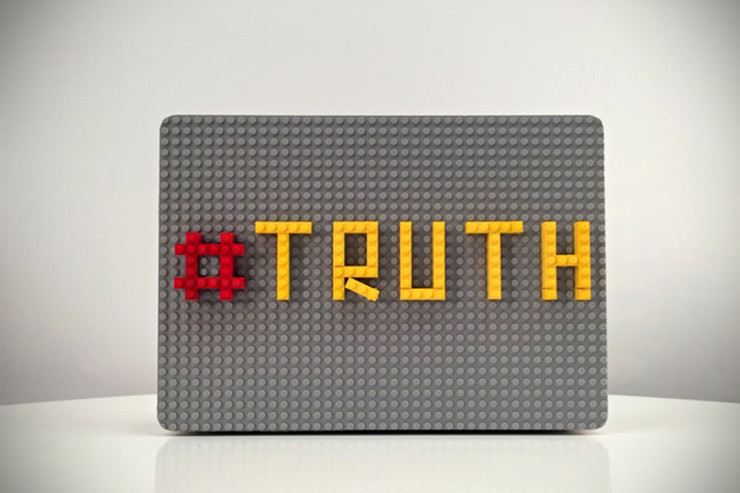 The-Brik-Case-Customizable-MacBook-Case-by-Jolt-Team-image-3