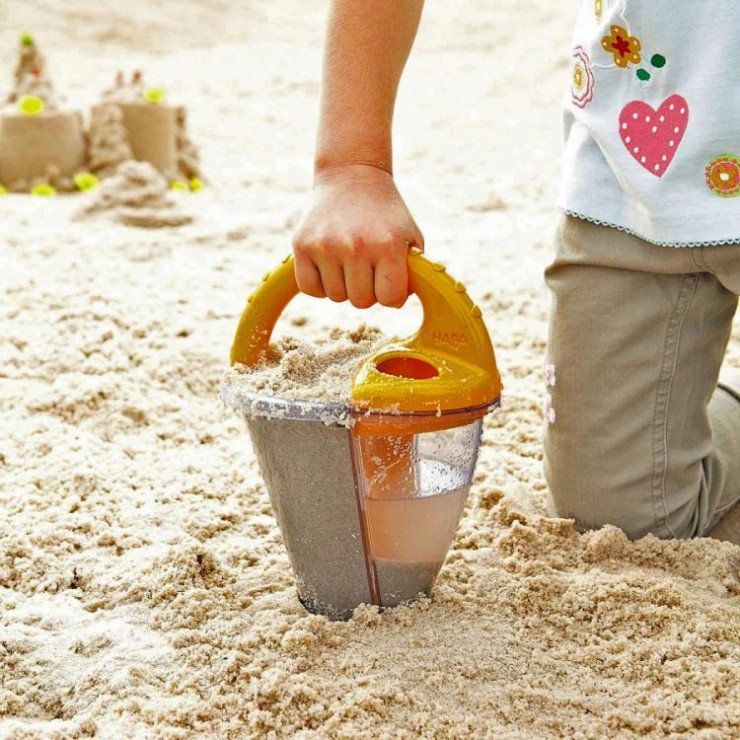 sand-funnel-mixes-water-sand-6850