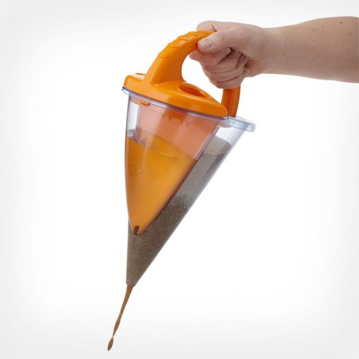 sand-funnel-mixes-water-sand-7301