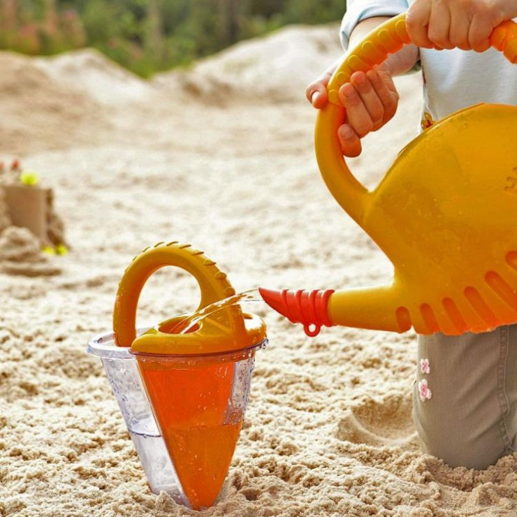 sand-funnel-mixes-water-sand-9434