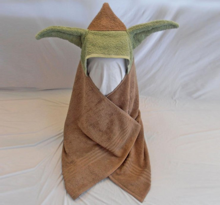 star-wars-childs-bath-towel-with-yoda-ears-hoodie-0