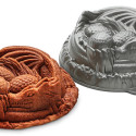 Dragon Cake Pan Must Be Ours
