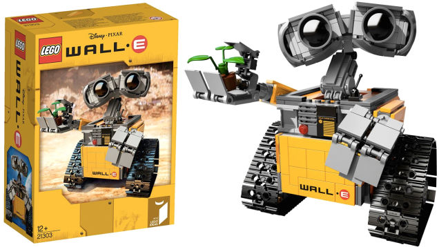 here are the first shots of the upcoming wall e lego set ohgizmo. Black Bedroom Furniture Sets. Home Design Ideas