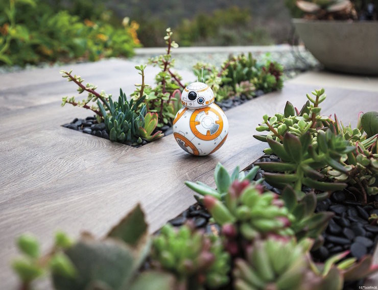 Sphero-BB-8-Ultimate-Star-Wars-Droid-01