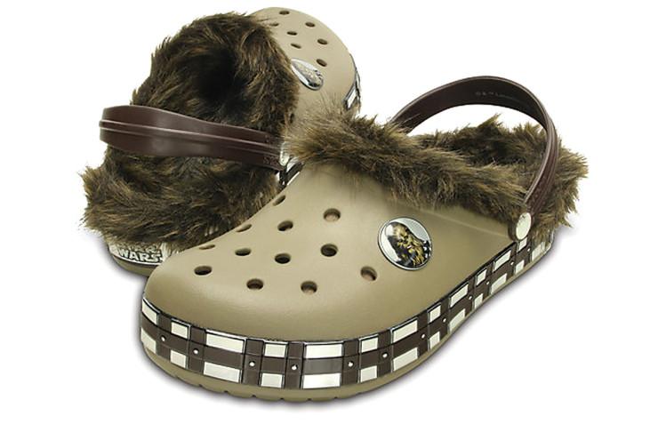 chewbacca-crocs-1