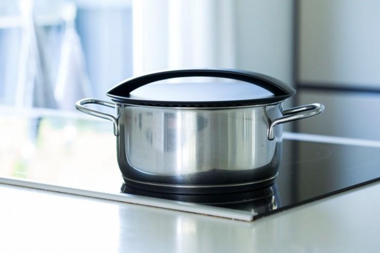 onelid-universal-cooking-pan-lid-1