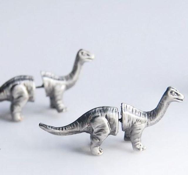 dino-earrings-3