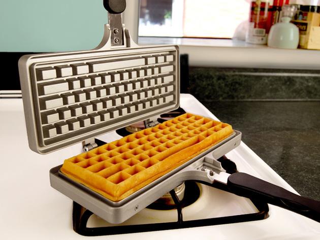 keyboard-waffle-maker-1