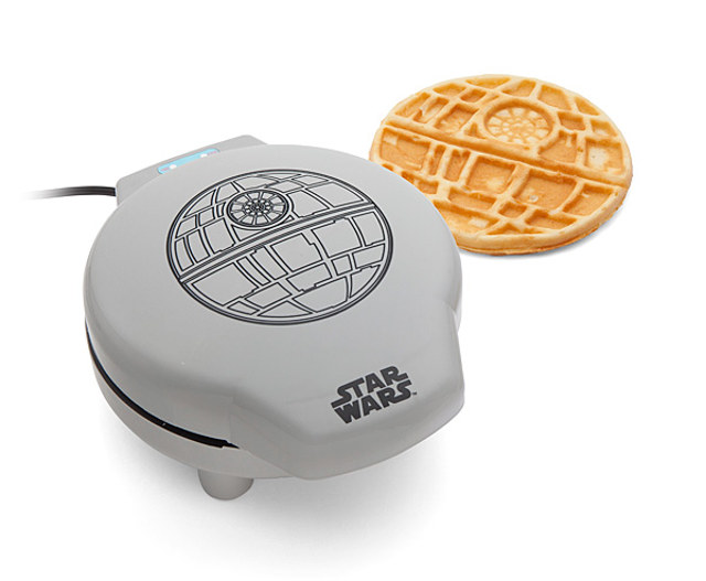 star-wars-death-star-waffle-maker-1