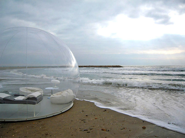 inflatable-bubble-tents-2