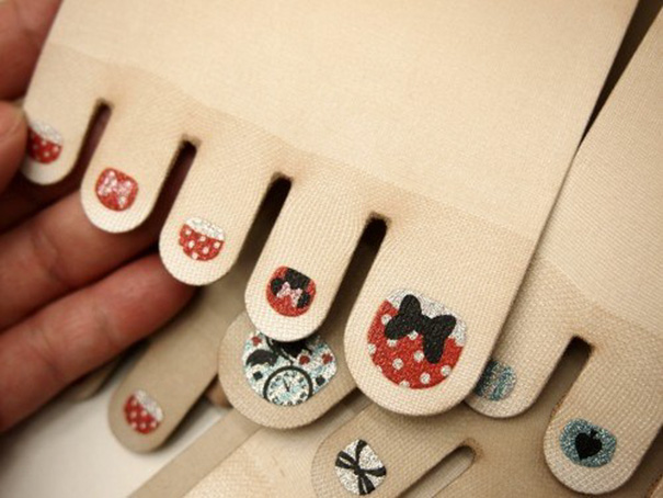 toe-nail-art-polish-stockings-japan-5