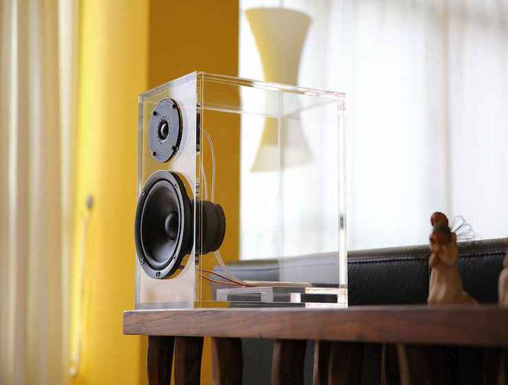 ONEclassic-Wireless-Speaker-System-by-ONEaudio-01
