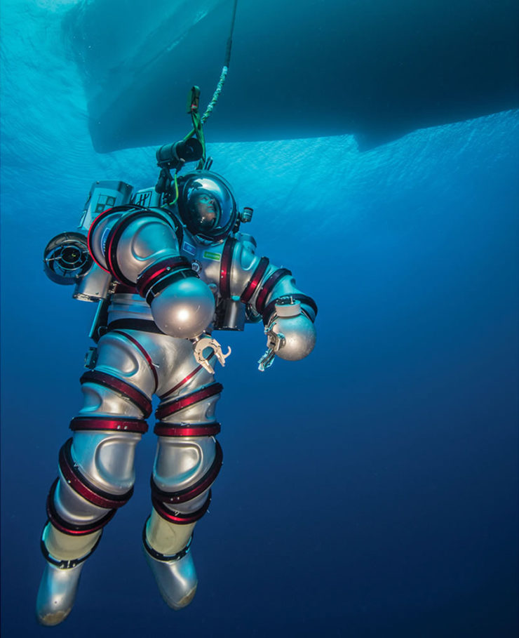 exosuit-self-propelled-atmospheric-diving-suit-2