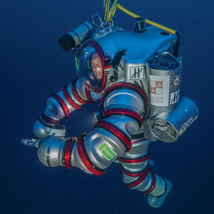 exosuit-self-propelled-atmospheric-diving-suit-3
