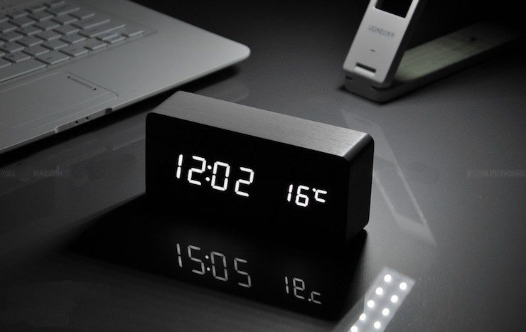 digital-voice-table-clock-03