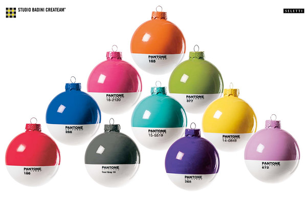 110411_pantone_holiday_ornaments_1