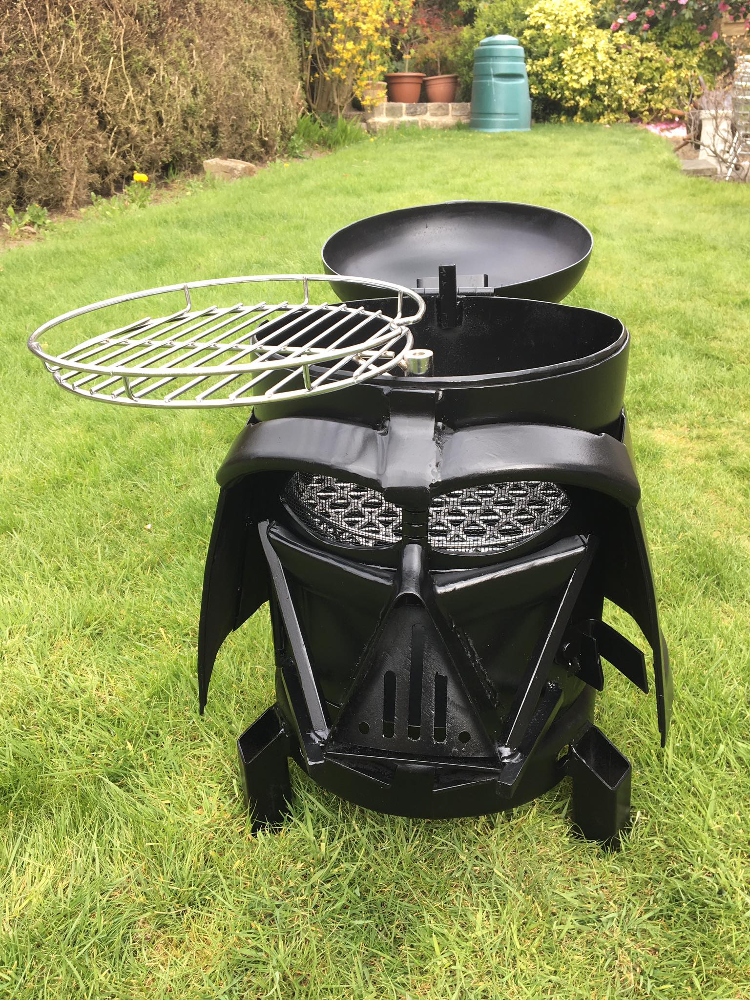 Darth Vader Mask Bbq And Fire Pit Ohgizmo