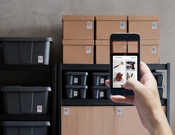 Organize your home with ease when you use the Quick Peek Smart Storage Labels by Bluelounge. Attaching to your boxes and storage bins you can simply scan ... & Quick Peek Smart Storage Labels | OhGizmo!