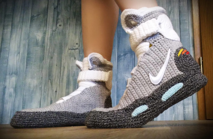 - il fullxfull - These Back To The Future Air Mag Slippers Are As Close As You'll Get To The Real Thing